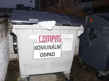121030-kontejner_denik-380