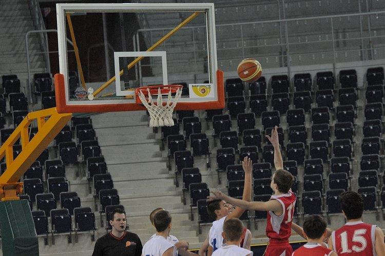 Basket_v_Tipsport_arene_medium