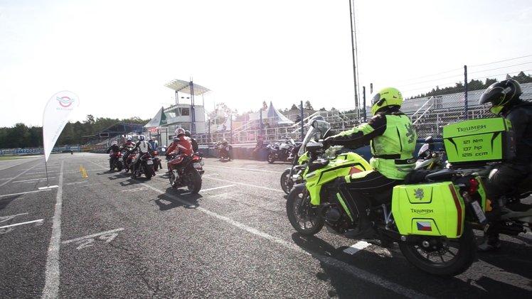 Kurz_na_autodromu_Sosnova_pro_motocyklisty_medium