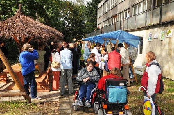 Obcanske_sdruzeni_D.R.A.K._zahajilo_projekt_Centrum_ucelene_rehabilitace_pro_rodiny_s_detmi_do_18_le