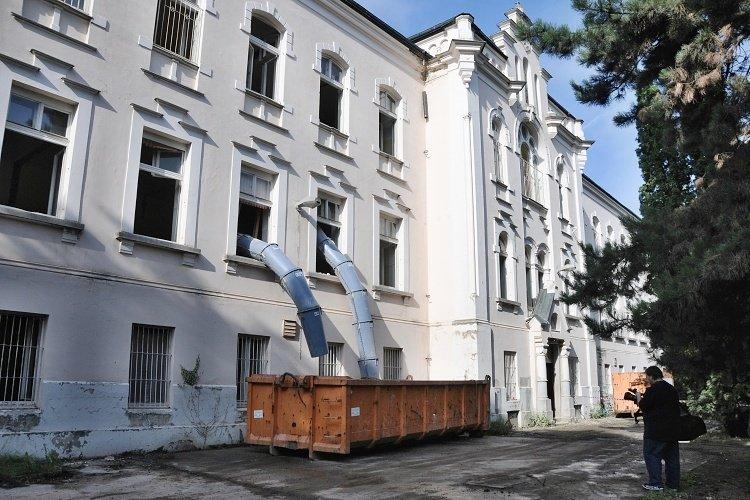 Rekonstrukce_a_dostavba_luzkoveho_hospice_se_v_Liberci_rozbiha_naplno_medium