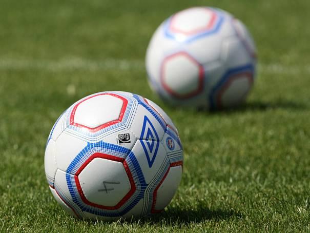 4087307-brno-fotbal-zbrojovka-balon-mic-ilustracni_denik-605