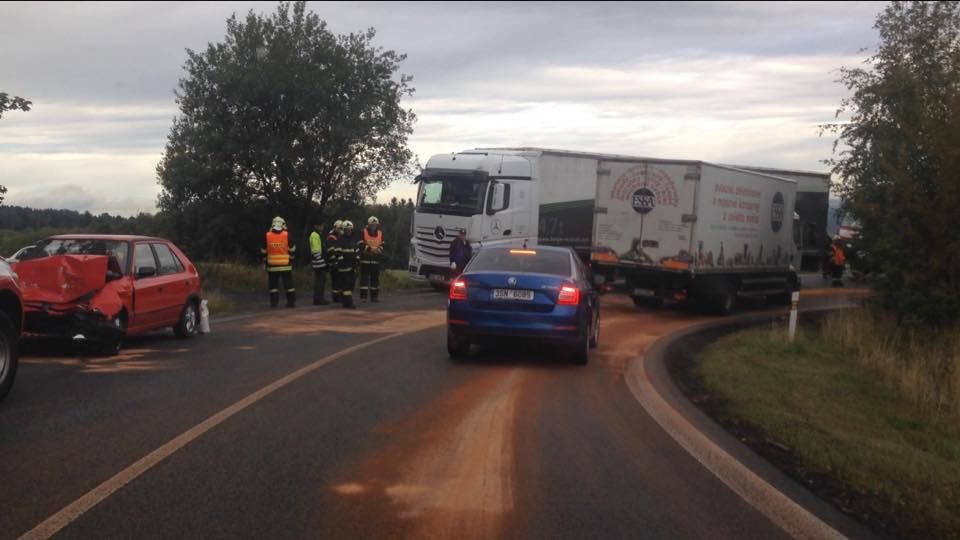VIDEO: Na Albrechťáku se střetla Felicie s kamionem
