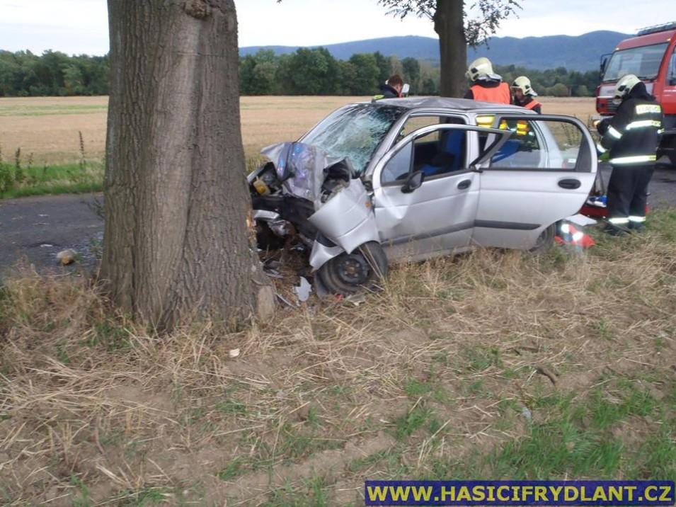 1000x1000-1442340357-tragicka-nehoda-v-raspenave-foto-hasici-frydlant