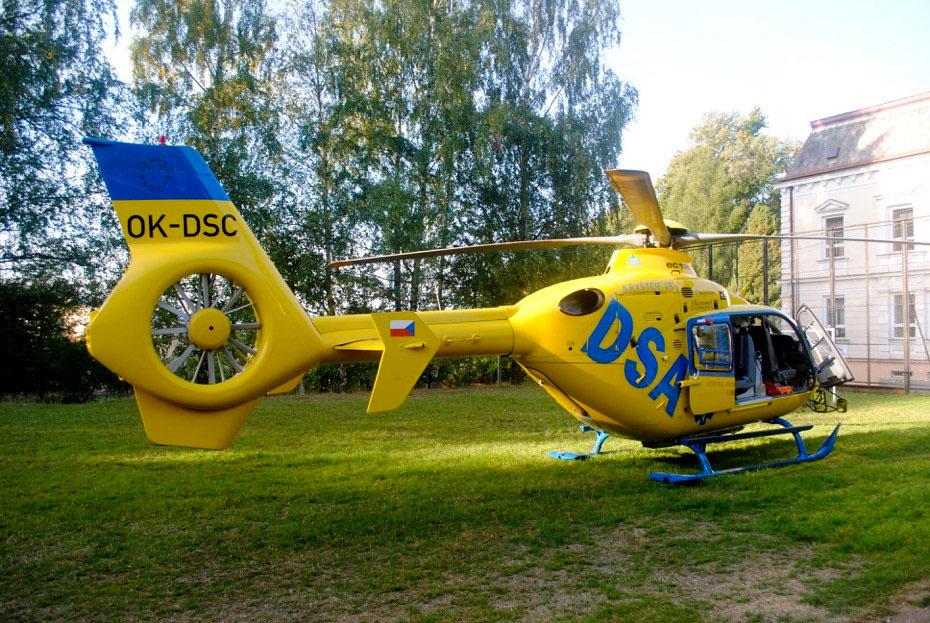 Zásah záchranářů v Novém Městě pod Smrkem urychlil vrtulník a policie