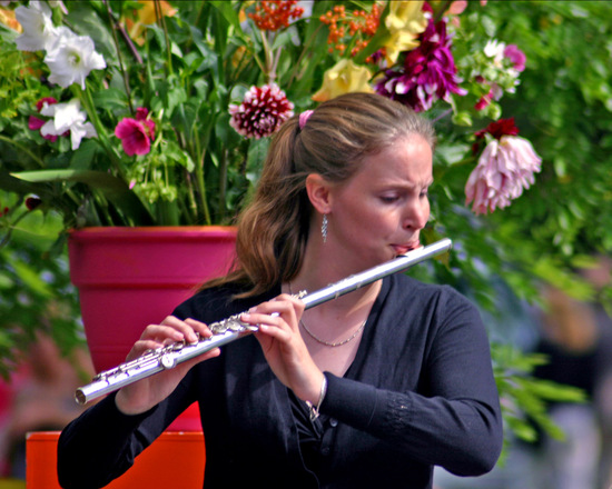 flute-player-1567317
