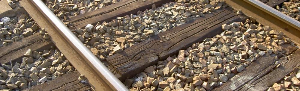 U Višňové se dnes ráno střetl vlak s osobním automobilem