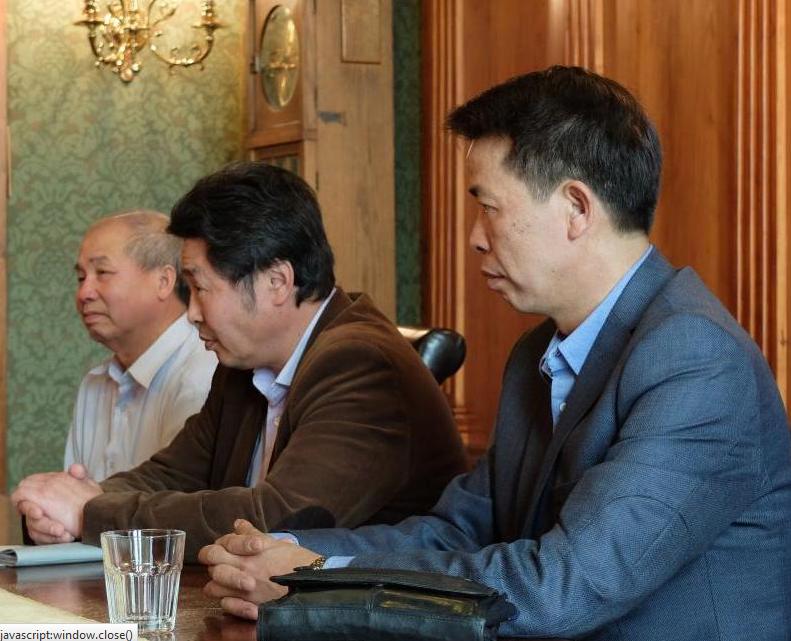 Frýdlantskou radnici navštívili zástupci Svazu Vietnamců v Libereckém kraji