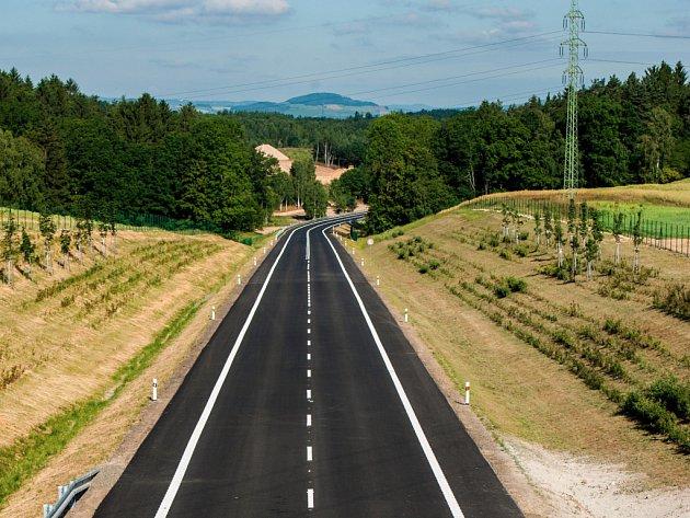 Cesta z Liberce do Chrastavy a Kunratic zatím rychlejší nebude