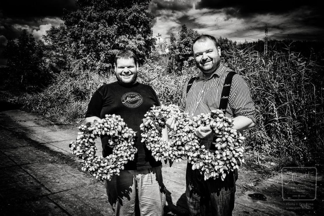 Frýdlantský pivovar navštívil Žatec, aby si sklidil čerstvý chmel pro limitovanou várku piva Albrecht