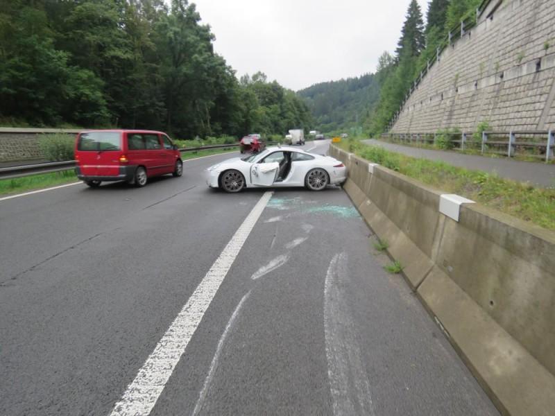 Řidička nezvládla své Porsche