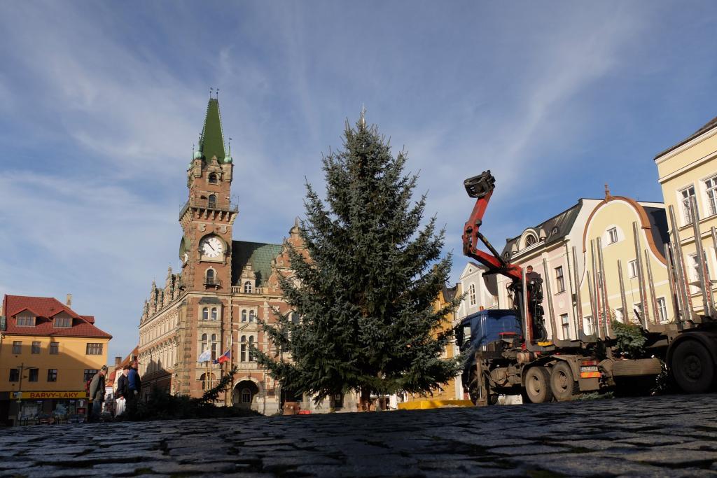 Frýdlant má vánoční strom