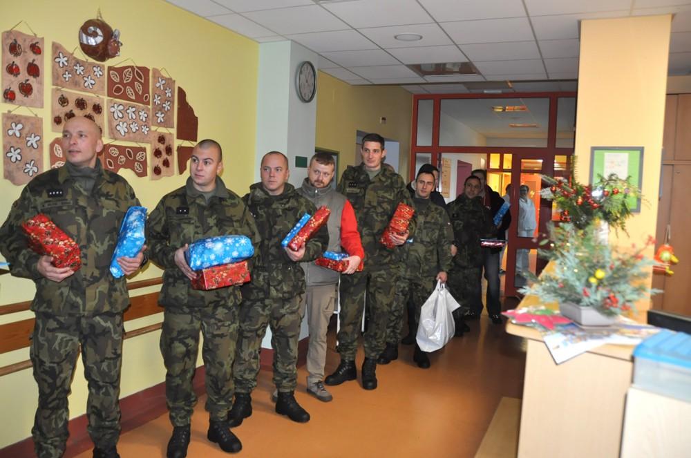 Na dětském oddělení liberecké nemocnice se již nadělovaly dárky