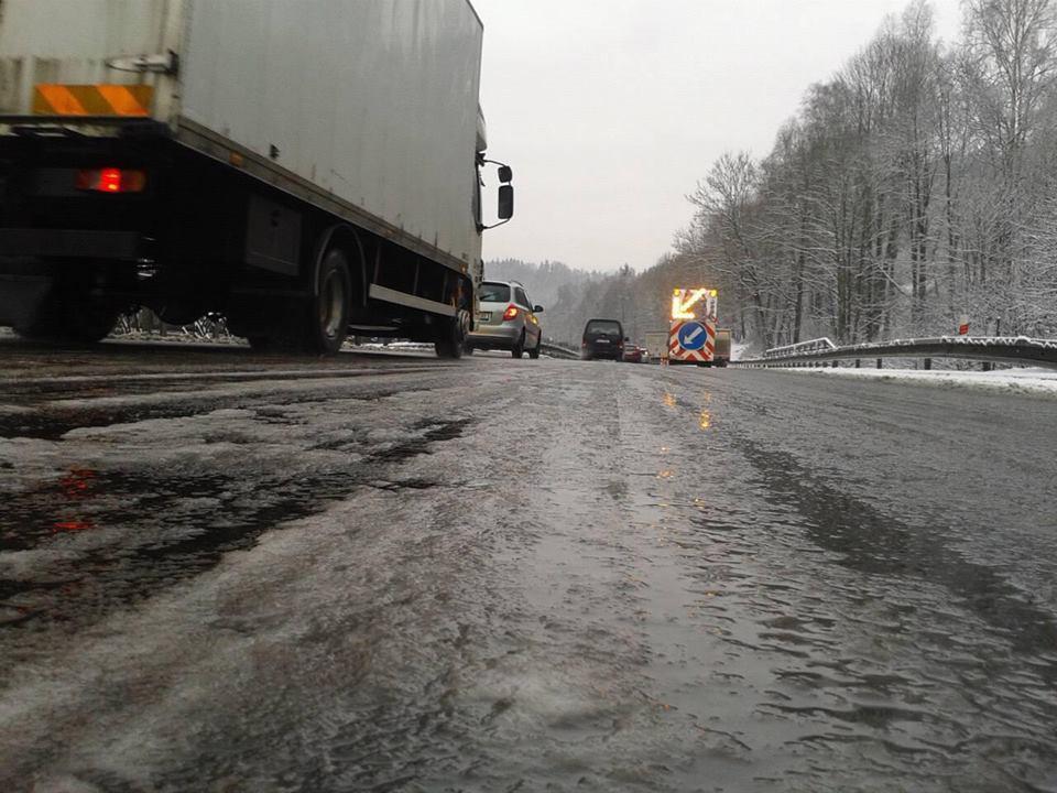 AKTUÁLNĚ: Kvůli počasí se večer pro kamiony zavře silnice přes Albrechťák