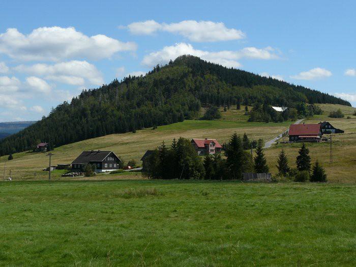 Lesy ČR opravily páteřní turistickou cestu mezi Českou republikou a Polskem