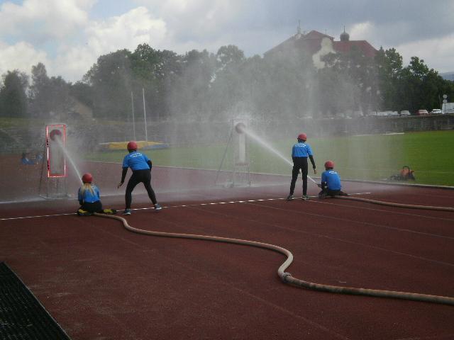 Mladí hasiči Frýdlantu o víkendu měřili síly v krajských kláních