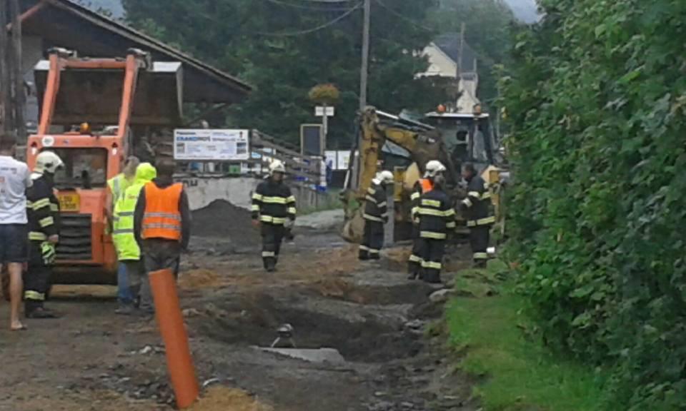 Únik plynu v Bílém Potoce, záchranná služba musela ošetřit dvě osoby