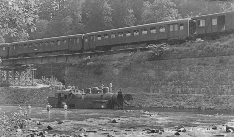 Máte fotografii z železničního neštěstí roku 1958? Půjčte jí městu