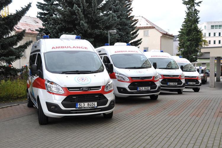 Čtyři nové sanity rozšíří vozový park nemocniční dopravy KNL, a.s.