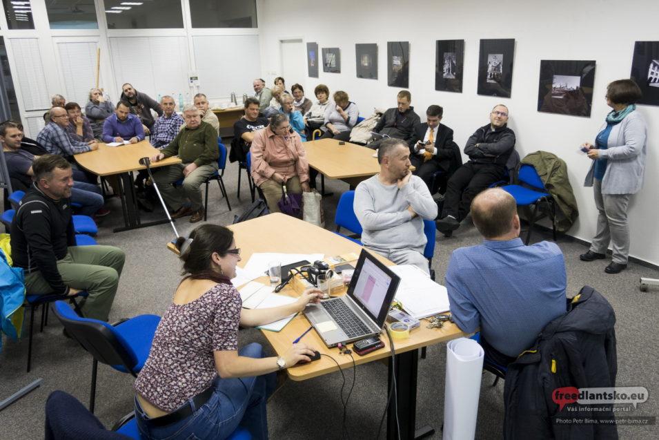 Diskuse ke vzniku Programu rozvoje obce Lázně Libverda na období 2018 - 2022 / Fotogalerie
