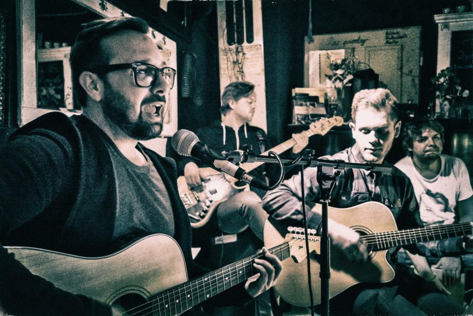 Hudební večer v CAFÉ Jazzové Osvěžovně ve Frýdlantu / Fotoreportáž