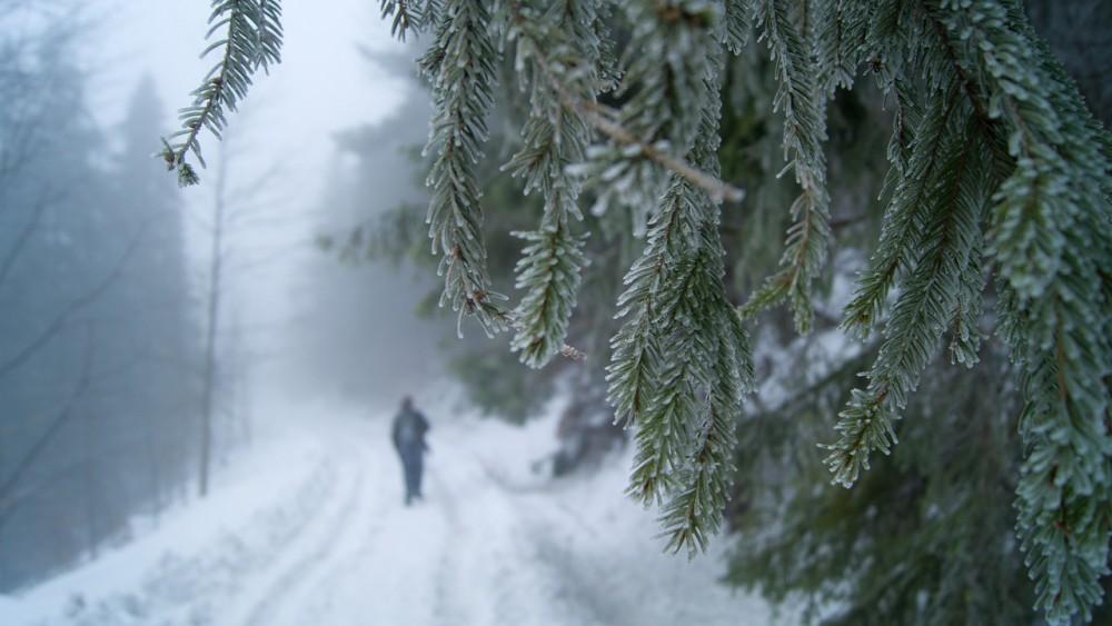 Studená fronta přinese mráz i nový sníh. Vrací se zima