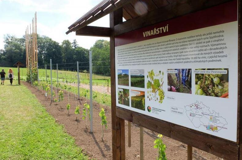 Zemědělská a lesnická škola otevřela naučnou zemědělskou expozici