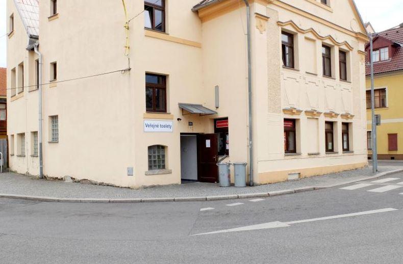 Veřejné záchody na autobusovém nádraží jsou otevřené