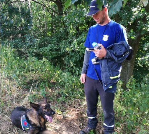 Pohřešovanou seniorku vypátral psovod dobrovolných hasičů Hejnice