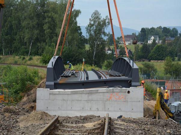 V Krásné Studánce už mají nový most