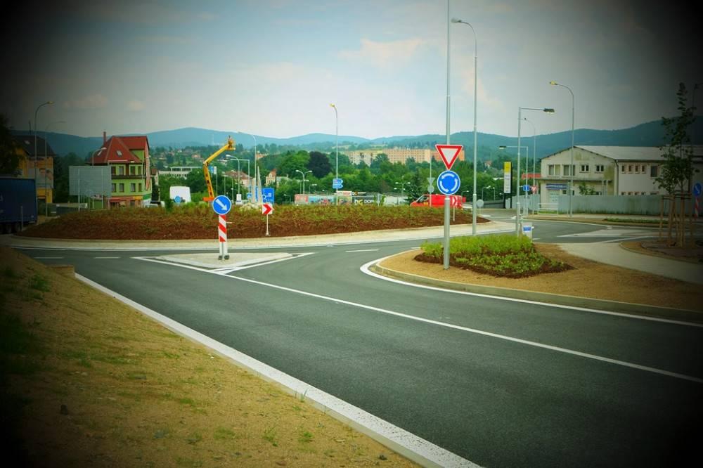 Začnou práce na hlavní silnici do průmyslové zóny Jih. Čekají se problémy