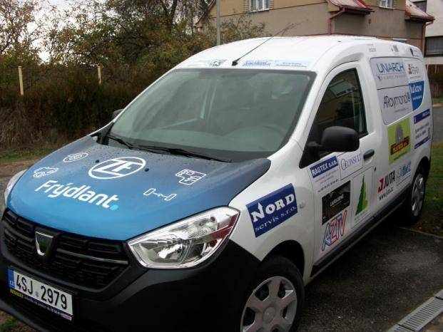 Dětský domov ve Frýdlantu má nový sociální automobil