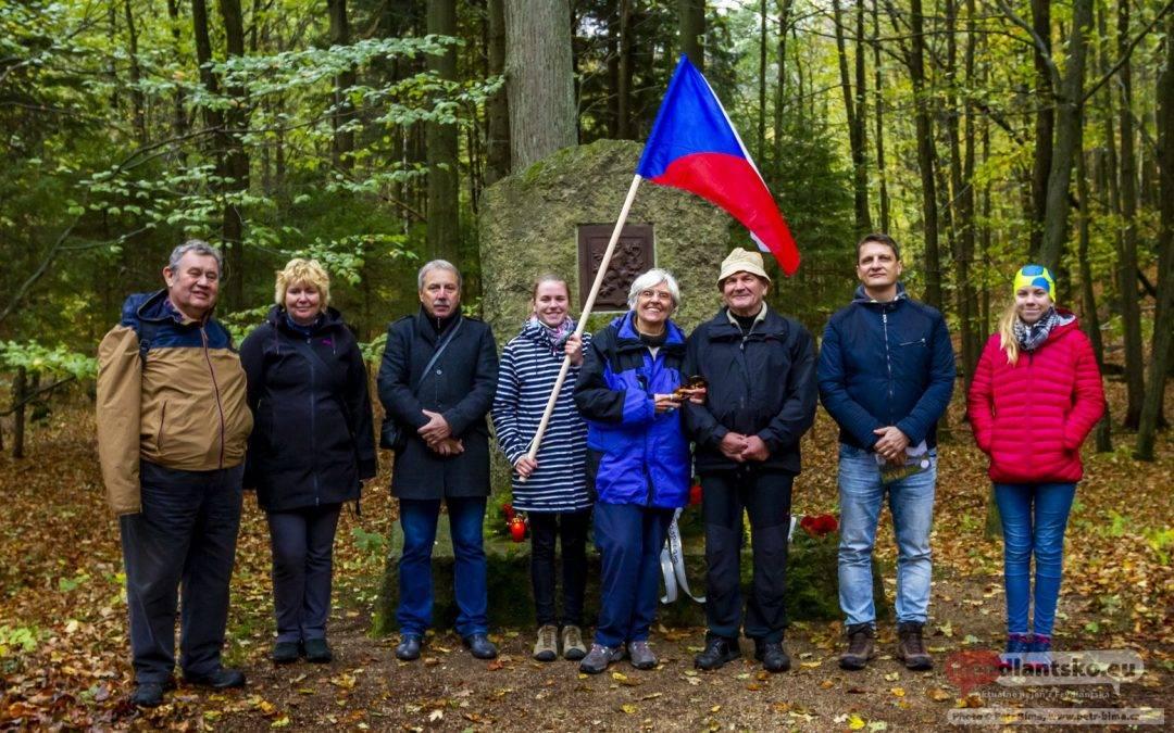 Pouť ke Kamenu republiky k 100. výročí vzniku ČSR