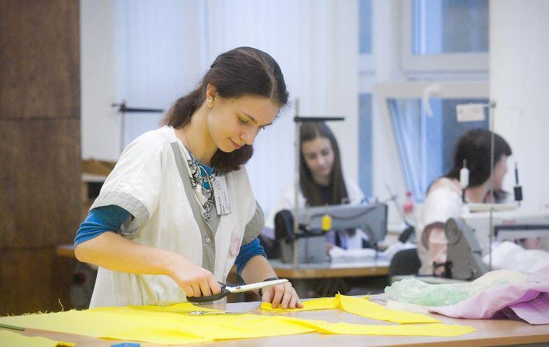 O krejčové je zájem, přesto řemeslo žáky v Libereckém kraji netáhne
