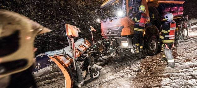 Meteorologové vydali varování. Vydatné sněžení doprovodí silný vítr, kamionům se uzavře silnice do Harrachova