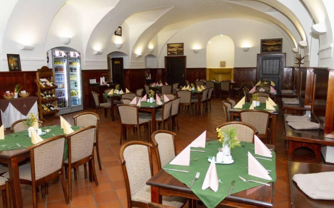 Navštivte Klášterní restauraci Hejnice / Akce na únor a březen