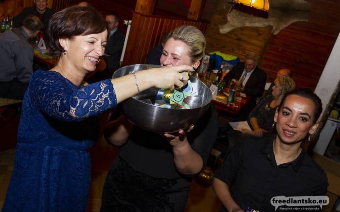 Společenský ples Mateřské a Základní školy Lázně Libverda 2019 / Fotoreportáž