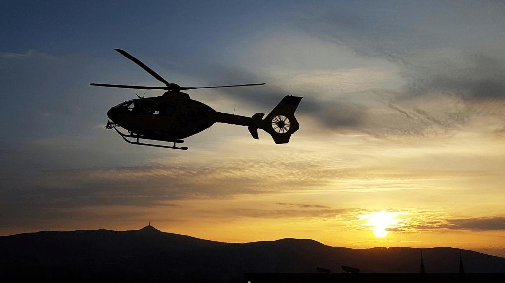 Vrtulníky budou zachraňovat životy i v noci, liberecké letiště začne svítit