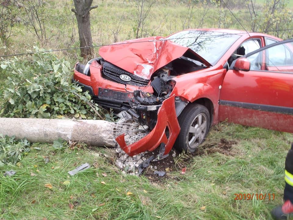 Frýdlantští hasiči včera zasahovali u dvou vážných nehod, k jedné musel i vrtulník