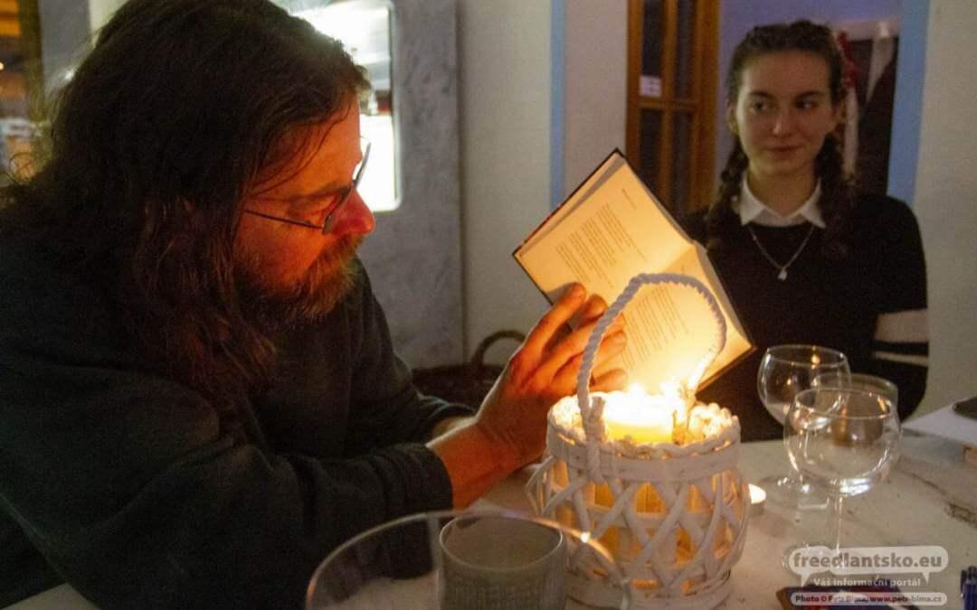 Pekárna Poezie se v pátek podvečer ve Frýdlantě otevřela zimním básníkům
