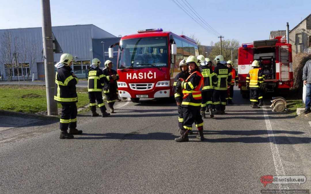 Dětřichovští hasiči dostali nový Volkswagen Crafter 103