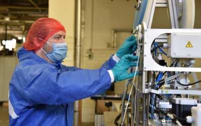 Kraj dále zajišťuje výrobu nanomasek. Za pomoci firem z regionu se chce zásobit na případnou druhou vlnu epidemie koronaviru
