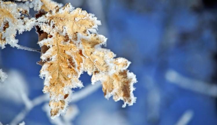 O prodlouženém víkendu léto, v pondělí udeří zima. Na horách může napadnout 25 cm sněhu