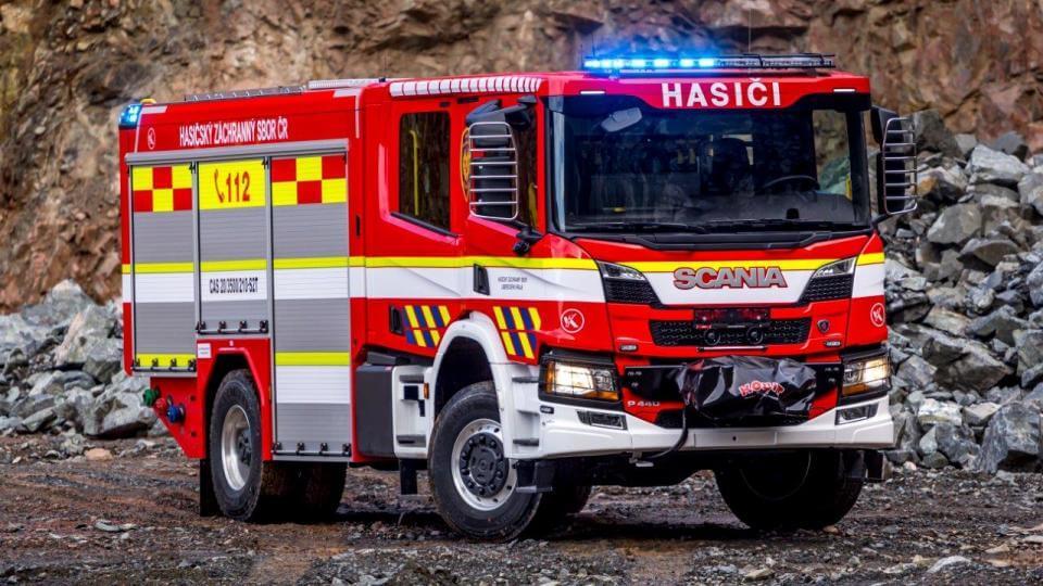 Krajští hasiči mají dvě nové cisterny