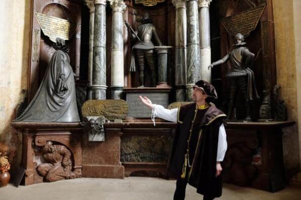 Nenechte si ujít komentované prohlídky Frýdlantu s kostýmovaným průvodcem