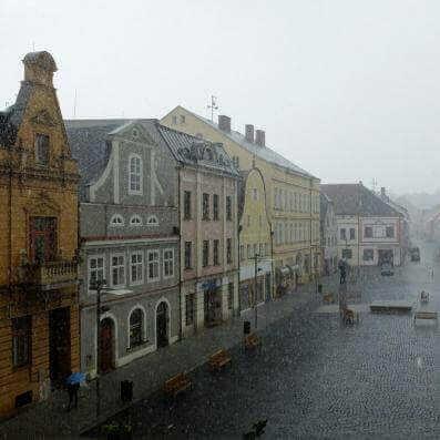 V pátek pozor na bouřky, které mohou přinést kroupy a přívalové srážky