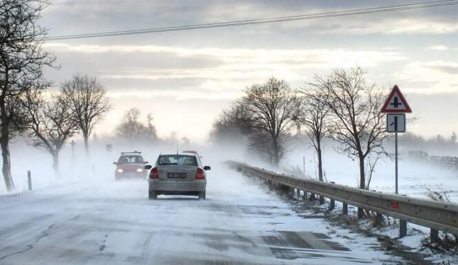 Počasí na další dny: meteorologové varují před sněhem, vydatným deštěm i možnými povodněmi