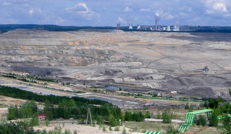 Turówu se bojí už i Němci. Propad země v Žitavě, kontaminovaná nebo žádná voda