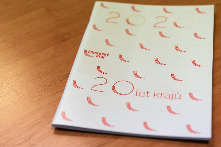 Liberecký kraj vydal brožuru, která hodnotí končící rok 2020