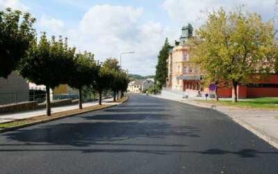 Ulice Čapkova, Horská a Husova mají nový asfaltový povrch